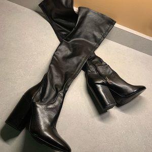 Charles David made Italy elasticized knee hi boot